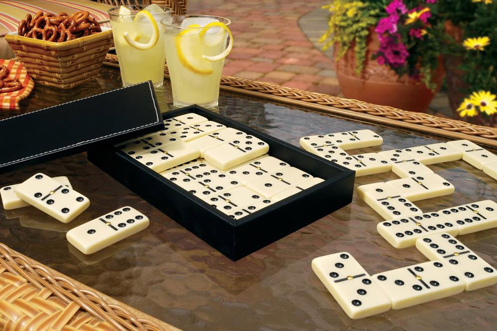 Classic Domino Set